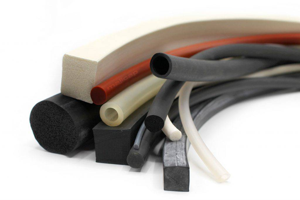 Corde et tube en caoutchouc profilés