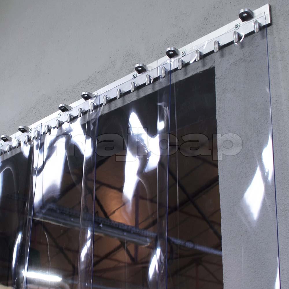 fixation rideau à lanières PVC